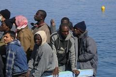 Traffico di migranti e terrorismo, operazione della Polizia nel Sud Italia