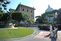 Giuseppe Antonio Lomuscio lo scultore tranese che ha conquistato il Vaticano