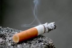 I giovani studenti fumano ancora troppe sigarette