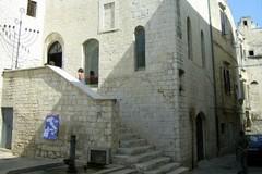 Federico II e gli ebrei, itinerario guidato tra Castello federiciano e Giudecca