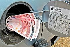 """I benzinai fanno """"cartello"""" anche a Trani"""