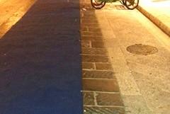 Strappato il tappeto azzurro in via San Giorgio