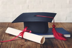 Lauree post Covid: mascherine, cinque ospiti per laureando e accesso con pass