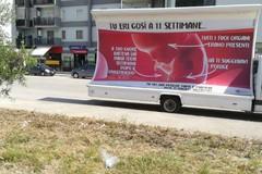 """Il camion vela """"pro-life"""" ha fatto tappa anche a Trani"""