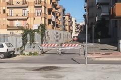 Via Vittorio Veneto chiusa al traffico: il pavimento stradale sta per cedere