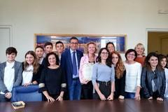 """Scuola, l'Amministrazione incontra i vincitori del concorso """"Federchimica 2018"""""""