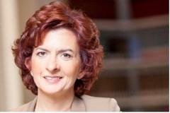 """Alla """"Giustina Rocca"""" il sottosegretario all'Istruzione Angela D'Onghia"""