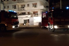 Incendio in un'abitazione sul lungomare Cristoforo Colombo