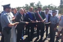 Inaugurata la Trani-Andria: applausi e proteste