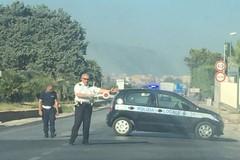 Incendio di sterpaglie su via Andria, disagi per il traffico veicolare