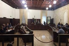 Dimissioni Papagni, crisi olivicola e debiti: domani in Consiglio comunale