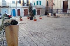"""Piazza Tomaselli si trasforma da """"parcheggio"""" ad area pedonale"""