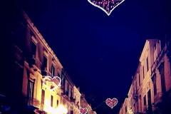 San Valentino, in città tornano le luminarie degli innamorati