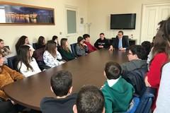 """Gli studenti della scuola Rocca a """"tu per tu"""" con il sindaco"""