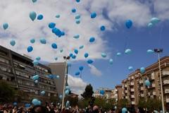 """Anche la scuola Beltrani si tinge di """"blu"""" in occasione della Giornata mondiale sull'autismo"""