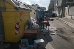 Ancora rifiuti ingombranti abbandonati in città: ecco via Gramsci