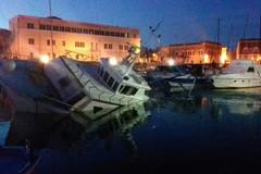 Collisione tra due pescherecci nel porto di Trani: gravi danni ma nessun ferito