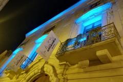 Autismo e consapevolezza: s'illumina palazzo Beltrani