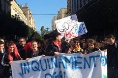 """Anche a Trani la manifestazione Global Strike For Future: centinaia di studenti al grido di """"Il futuro siamo noi"""""""