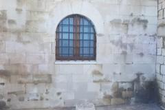 Cattedrale di Trani, rimosse le scritte rosse sulla facciata occidentale
