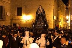 Processione Madonna Addolorata, giunge al termine la lunga notte dei tranesi