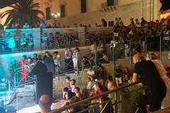 Porta Vassalla si trasforma in un auditorium a cielo aperto: successo per la prima serata