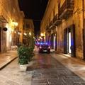 Musica e assembramenti in piazza Longobardi: intervengono le forze dell'ordine