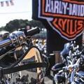 Bikers protagonisti in via Mario Pagano: oggi il primo raduno Harley Davidson