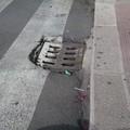 Corso Imbriani, un tombino blocca il passaggio delle carrozzelle