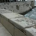Villa comunale, scricchiola il parapetto sul muraglione
