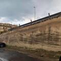 Pericolo sul cavalcaferrovia di corso Imbriani, in più punti manca il passamano