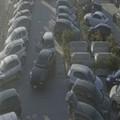 In pieno giorno e sotto gli occhi di tutti: furto d'auto nel parcheggio di un megastore a Trani