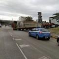 16bis, ancora un camion incastrato a Trani centro