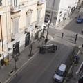 Mancata precedenza, auto si ribalta in via Aldo Moro: illeso il conducente