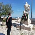 Festa della Liberazione, in Villa Comunale cerimonia con la deposizione della corona d'alloro