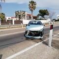 Rubano un'auto e poi si schiantano in zona Matinelle: la Polizia locale a caccia dei responsabili