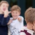 Bullismo e violenza in una scuola di Trani: vittima un dodicenne