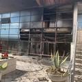 Fiamme all'interno dell'ex centro turistico Mastrogiacomo