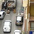 Raccolta cartoni, traffico in tilt nel centro di Trani
