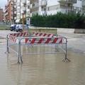 Nella strada che non c'è le buche diventano laghi