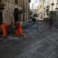 Ripristino delle basole sconnesse: iniziati i lavori nel centro cittadino