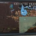 """A Trani  """"manca un pezzo """", rovinata la mappa della città in piazza Gradenico"""