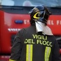 Incendio in un appartamento in via Stendardi: evacuato l'edificio