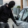 Ennesimo furto d'auto a danno di una coppia di turisti a Trani, la denuncia dell'associazione Incoming