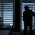 Trani, furto in appartamento diventa una rapina: aggredito il proprietario
