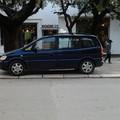 """Parcheggi selvaggi, la  """"normalità """" delle auto su piazza della Repubblica"""