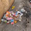 Montagne di rifiuti in via Pansini, la storia si ripete