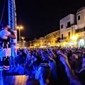 """Musica e divertimento sul Porto di Trani: successo per la tappa di  """"Radio Deejay One Two One Two """""""