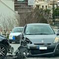 Incidente frontale sul ponte in via delle Forze Armate, un ferito
