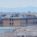 Scoppia il caos nel carcere di Trani: una nube di fumo avvolge l'edificio